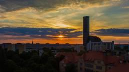 sky tower wrocław zachód słońca film wizerunkowy